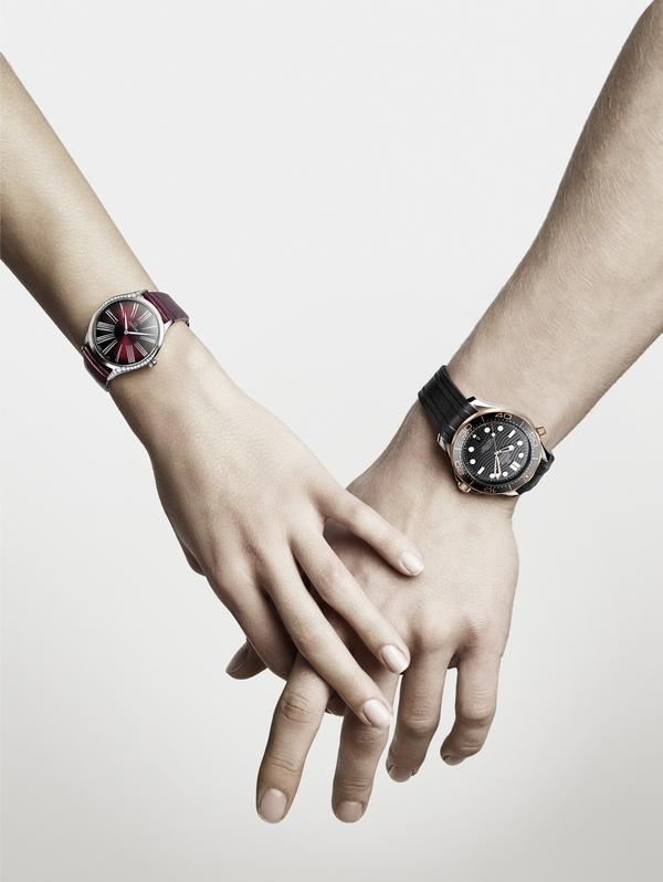 欧米茄碟飞名典系列女士腕表&欧米茄海马系列300米潜水表  图片源自品牌