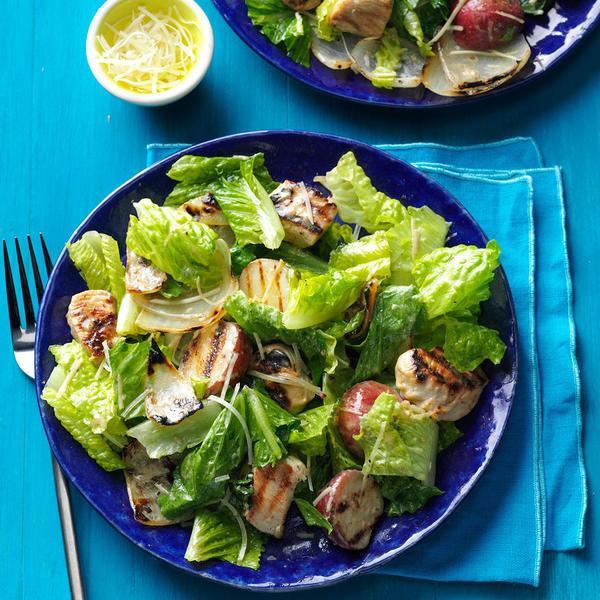 鸡肉洋葱凯撒沙拉  图片来自tasteofhome.com