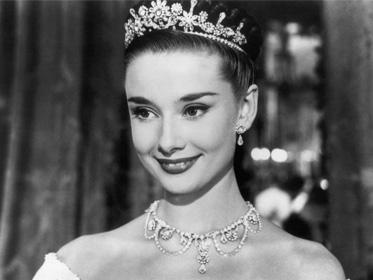 奧黛麗·赫本,唯一可以蓋過珠寶光芒的女子!