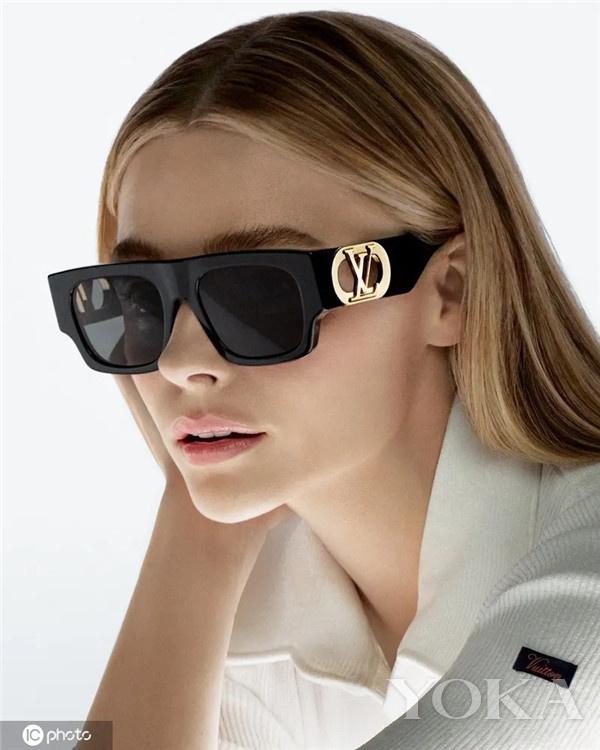 夏天除了做好各种防晒,漂亮的墨镜也是必不可少