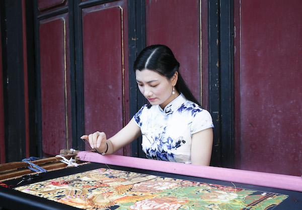 詹惠娜 中国潮绣工艺美术师